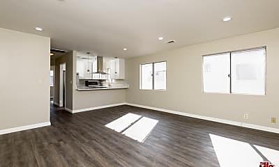 Living Room, 1522 N Harvard Blvd 3, 1