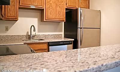 Kitchen, 367 Woonasquatucket Ave, 1