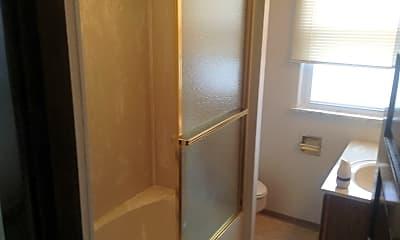 Bathroom, 64 Highland Ave, 2