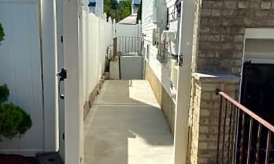 Patio / Deck, 454 Main St, 2