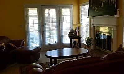 Living Room, 426 Georgetown Cir, 1