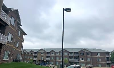 Cedar River Bluffs Apartments, 0