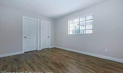 Living Room, 945 Hollister St, 2