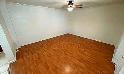 Living Room, 1732 Gulick Ave, 0