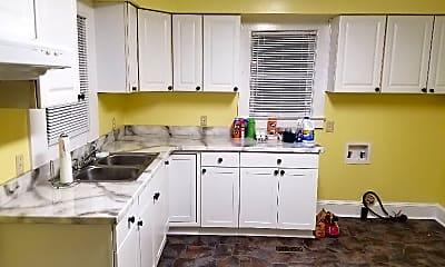 Kitchen, 602 Terminal St, 1