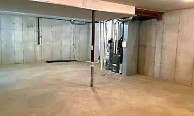 Building, 7713 W Ranken Ave, 2