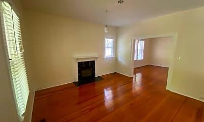 Living Room, 104 Turner St, 2