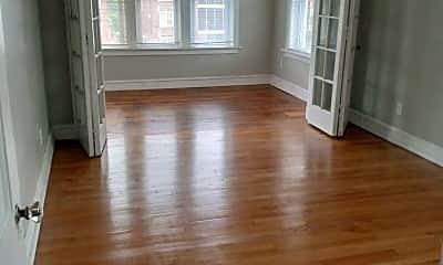 Living Room, 5137 Waterman Blvd, 1