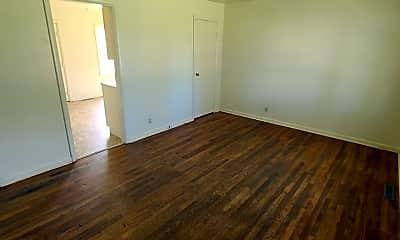 Living Room, 823 W 14th St, 1
