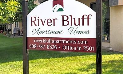 River Bluffs Apartment, 1