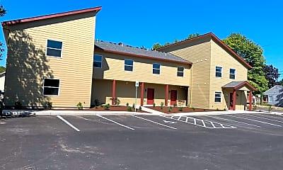 Building, 283 Knox St N, 2
