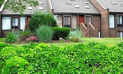 Landscaping, Briarwood Hill Apartments, 0