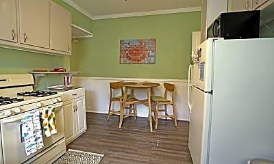 Kitchen, 71 Webb Ave B, 1