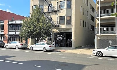 Building, 611 Bangs Ave 4C, 2
