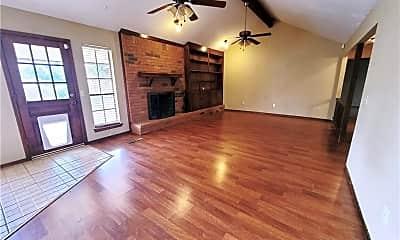 Living Room, 108 Maindale Dr, 1