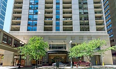 Building, 200 N Dearborn St 3401, 0