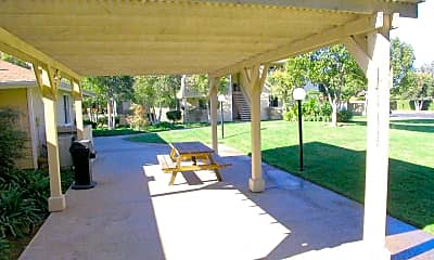 Patio / Deck, 925 Saturn Blvd, 2
