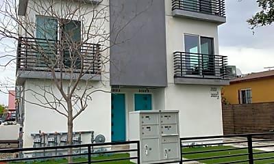 Building, 2307 1/2 Carmona Ave, 0