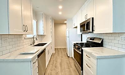 Kitchen, 1203 E San Antonio Dr, 0