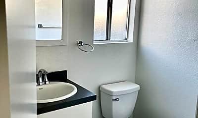 Bathroom, 1322 N 1st St, 2