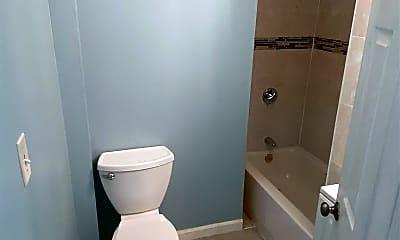 Bathroom, 2207 Dorchester Ave, 2