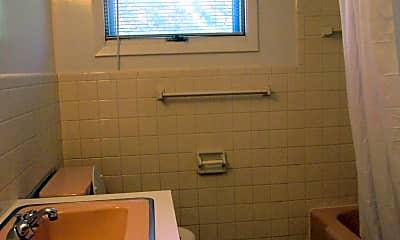 Bathroom, 1605 Meadowbrook Dr, 2