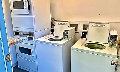Kitchen, 12110 Downey Ave 23, 2