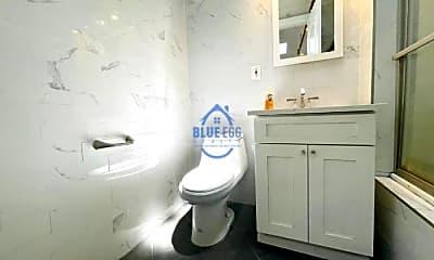 Bathroom, 442 Quincy St, 2
