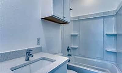 Bathroom, 3275 Dallas St 203, 2