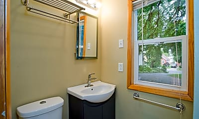 Bathroom, 1939 East Mifflin Street, 1