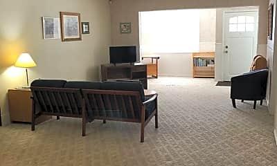 Living Room, 602 SE Parrott St, 1