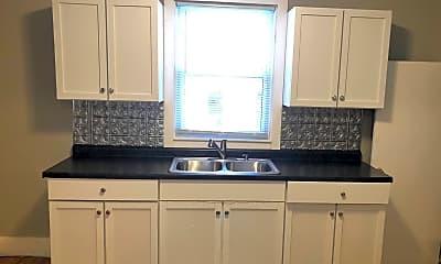Kitchen, 567 Livingston Ave, 1