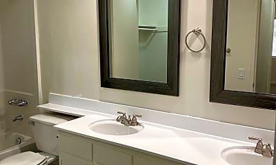Bathroom, 4046 1st Ave, 2