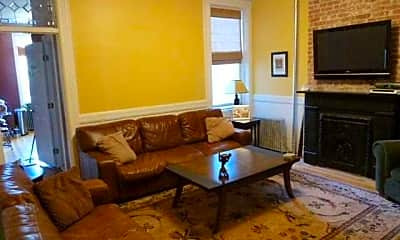 Living Room, 931 Willow Ave 5, 1