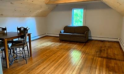 Living Room, 16 Pearl St, 2