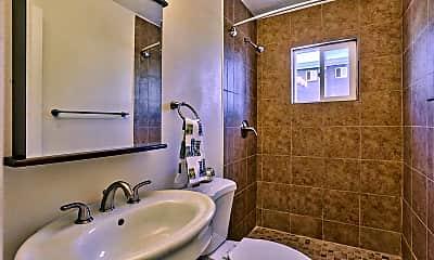 Bathroom, Melrose Place 36, 2