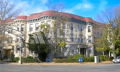 Building, 1232 Beacon St, 2