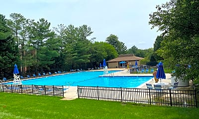 Pool, 6001 Arlington Blvd 603, 2