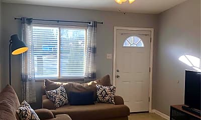 Living Room, 9362 Olive Blvd B, 1