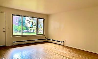 Living Room, 1400 E Mercer St, 1