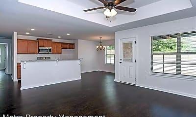 Living Room, 102 Kindley Ct, 2