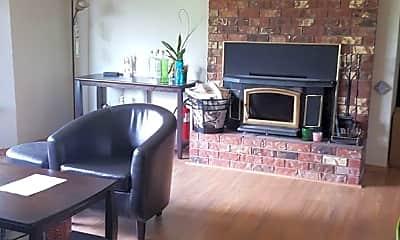 Living Room, 10010 Dakota Way, 0