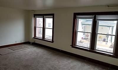 Living Room, 211 Lincoln St, 1