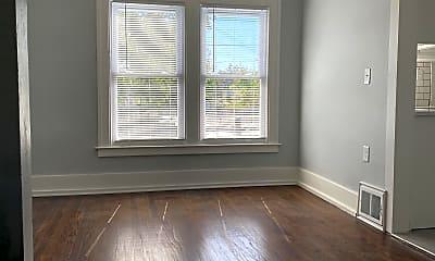 Living Room, 113 W Rundell St, 1
