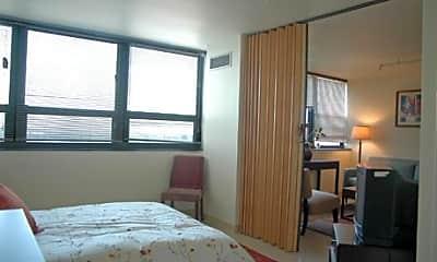 Paul G. Stewart Apartments, 2