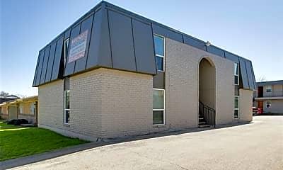Building, 304 E Mitchell St 3, 0