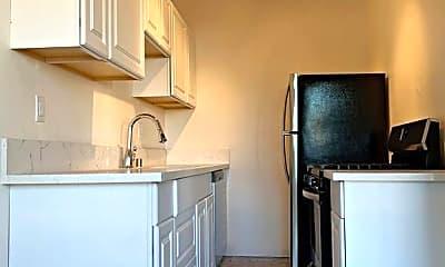 Kitchen, 1621 N Mariposa Ave, 2
