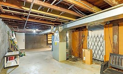 Kitchen, 4046 SE Madison St, 2