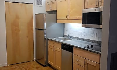 Kitchen, Amber on 11 Studios and Lofts, 2
