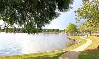 207 Lake Cir, 2